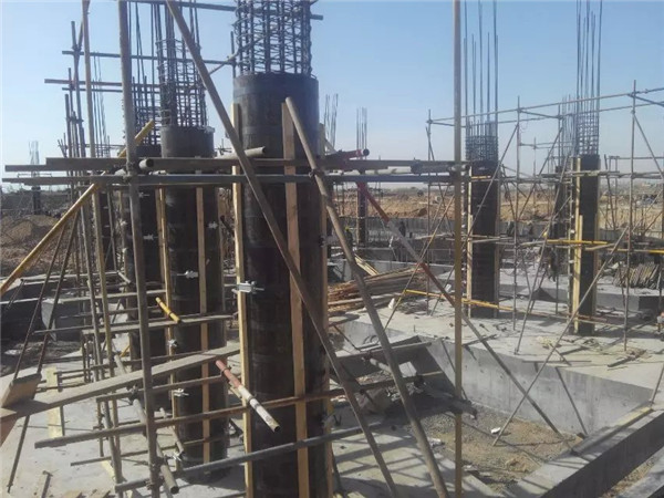 Cylindrical formwork installed waiting for pouring